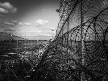 prison-fence- pixabay cc0